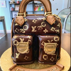 3D Louis Vuitton Fondant Handbag Birthday Cake