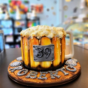 """Cheers to 39"" Beer Mug Birthday Cake"